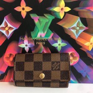 100% authentic Louis Vuitton six key card holder